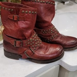 Frye Veronica Studded Boots Size 7